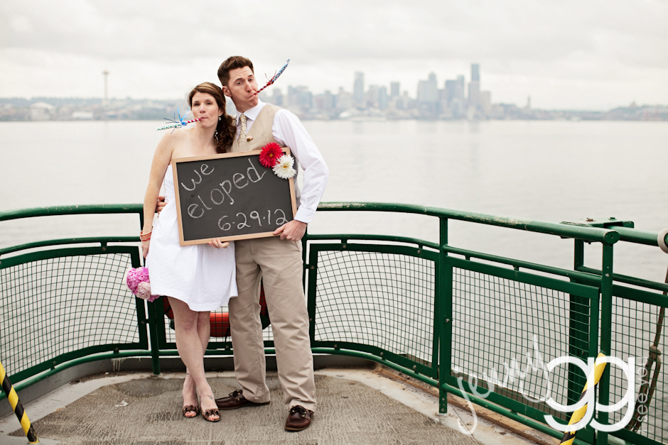 seattle elopement on a ferry by jenny gg 001