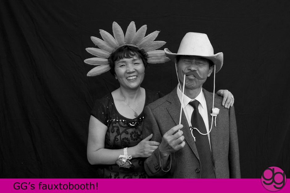 photobooth photos at a columbia winery wedding in woodinville by jenny gg