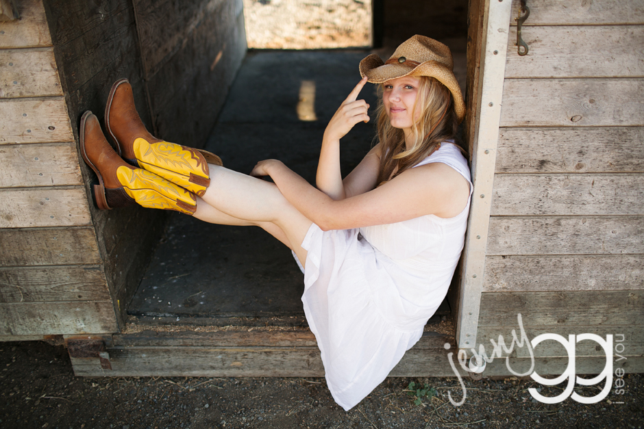 senior portraits with a horse by jenny gg 011