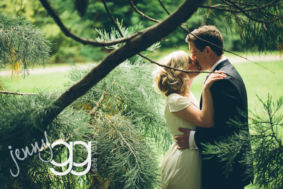 volunteer park bride and groom in seattle by jenny gg