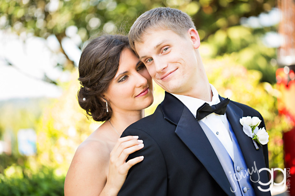 bride and groom at hollywood schoolhouse by jenny gg