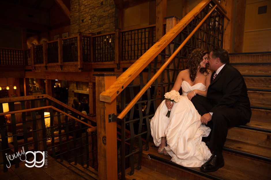 willows lodge bride and groom on stairs by jenny gg