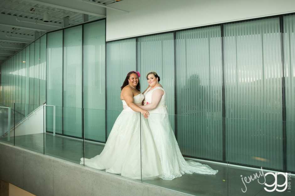 brides at olympic sculpture park by jenny gg