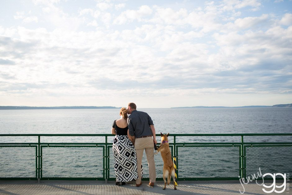 engagement session on a ferry by jenny gg
