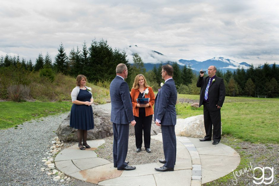 gay wedding at snoqualamie park by jenny gg