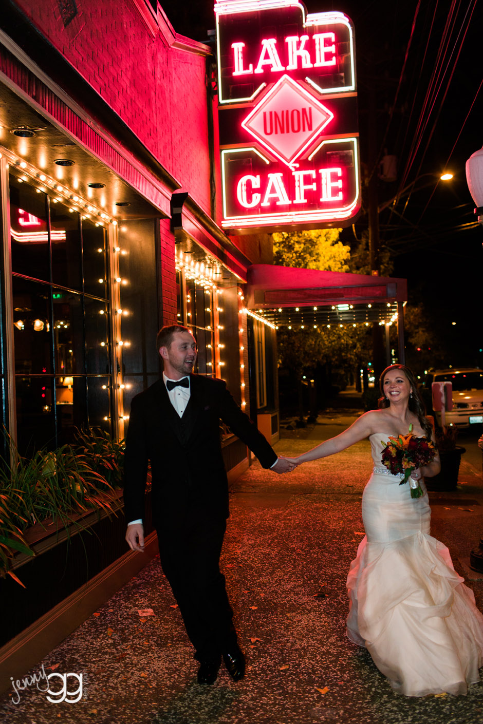 lake union cafe wedding in seattle by jenny gg