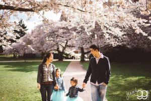 cherry blossom family photo by jenny gg