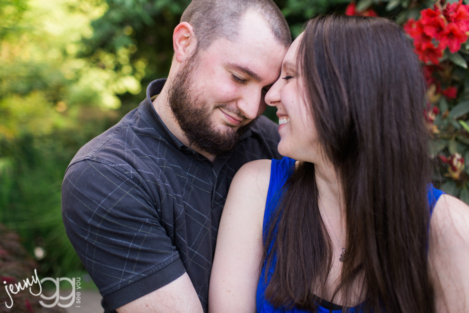 engagement session at bellevue botanical gardens by jenny gg